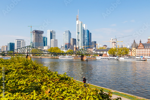 Frankfurt am Main, Blick vom Sachesenhäuser Ufer. April 2017. Poster