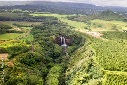 Luftaufnahme der Wailua Falls auf Kauai, Hawaii, USA. - 146232096