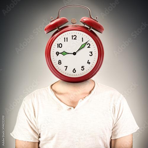 Juliste uomo con testa sveglia