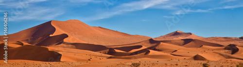 In de dag Oranje eclat Panoramic of Sossus Dunes, Namibia
