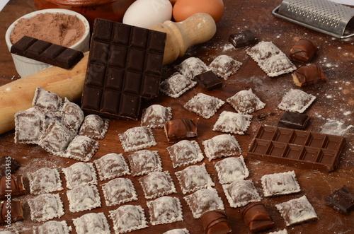 Foto op Canvas Koffie Ravioles de chocolate, pastas