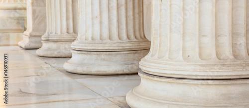 Szczegóły greckiego marmuru filarów