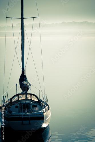 barca a vela in rada Poster