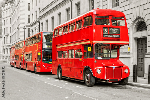 Fotobehang Londen Red bus in London