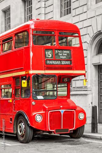 czerwony-autobus-w-londynie