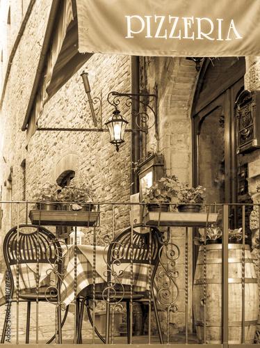 sidewalk restaurant - 148787462
