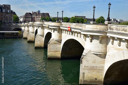Poster Le pont Neuf sur la Seine à Paris, France