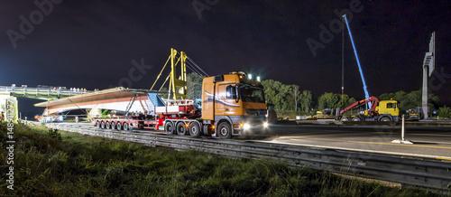 Schwertransport Brückenelement