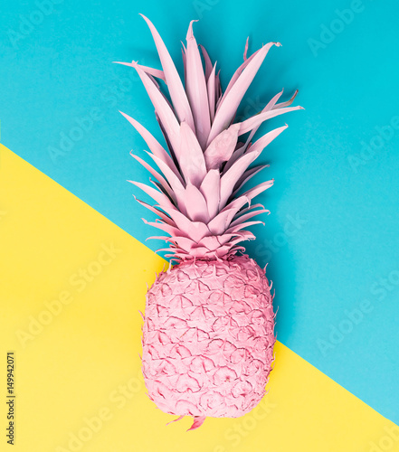 Painted pineapple - 149942071