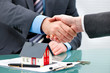 Handshakes with customer after contract signature - 150158499