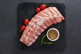 Beef ribs, cherry tomatoes and coriander seeds - 150159650