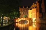 Bruges canaux la nuit