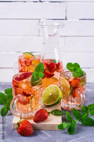 Fototapeta Cold strawberry drink