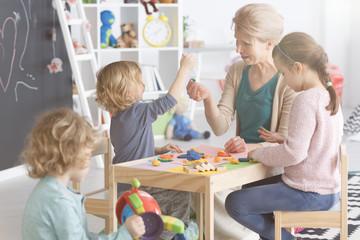 Art classes in kindergarten