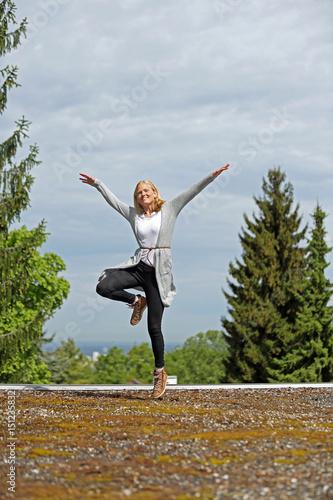 Gymnastik auf dem Flachdach