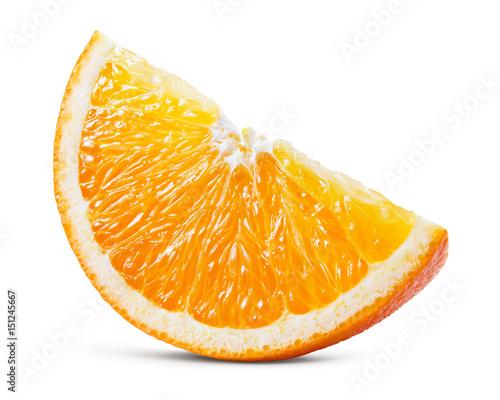 Pomarańcza. Kawałek odizolowywający na białym tle. Ze ścieżką przycinającą.
