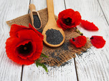 Poppy seeds and flowers