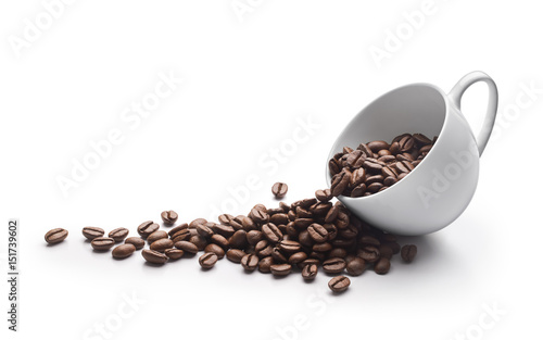 Coffee beans in coffee cup isolated on white background © phive2015