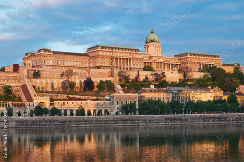 Staande foto Rome Royal palace in Budapest Hungary. Sunrise early morning.