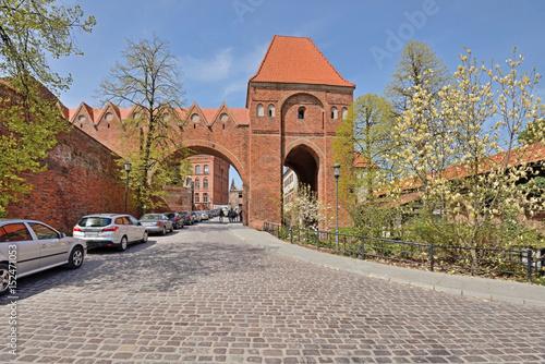 Fototapeta Toruń, Polska- mury obronne.