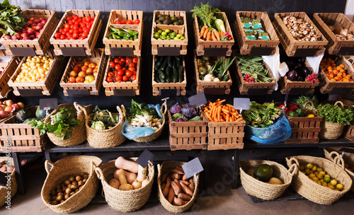 fruits and veggies market