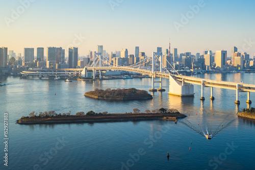 Canvas Tokio Tokyo skyline with Tokyo harbor in Japan