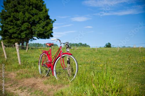 Plexiglas Fiets Vélo au bord du chemin
