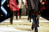 models are walking - 153175249