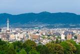 京都タワーと京都市遠景