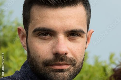 Poster Primo piano di uomo con la barba