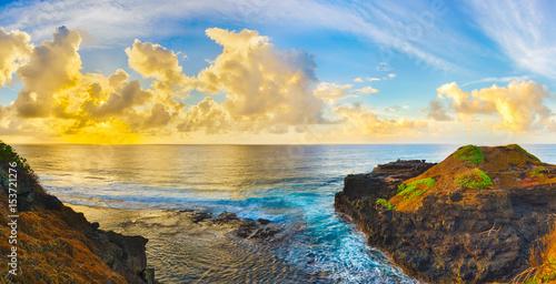 Foto op Aluminium Strand Coastal view at sunrise. Panorama