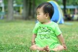 新緑と赤ちゃん