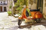 vecchio motorino in Italia
