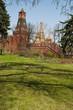 Russia, 29/04/2017: dentro il Cremlino di Mosca,  vista della Torre Nabatnaya e della Cattedrale di San Basilio, la famosa chiesa ortodossa nella Piazza Rossa