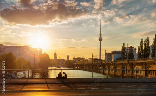 Leinwanddruck Bild Berlin Spree near Jannowitz-Bridge Sundown