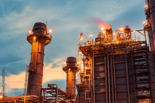 Staande foto Industrial geb. petrochemical plant in silhouette image at sun set