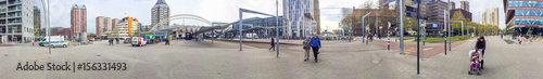 Aluminium Rotterdam ROTTERDAM, THE NETHERLANDS - APRIL 2015: Tourists along city streets. Rotterdam is a major tourist attraction in Holland