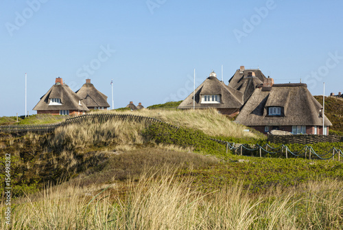 Fotobehang Noordzee Thatched-roof summer houses at Hörnum, Sylt