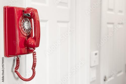 Foto Murales Red retro rotary wall phone