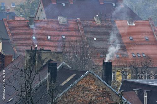 mata magnetyczna Dym nad dachami starych domów