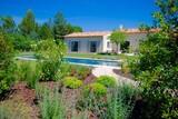 jardin maison - 157184896