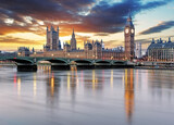 Fototapeta Krajobraz - London - Big ben and houses of parliament, UK © TTstudio