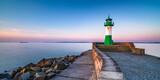 Leuchtturm im Hafen Sassnitz auf Rügen, Ostsee - 157274644