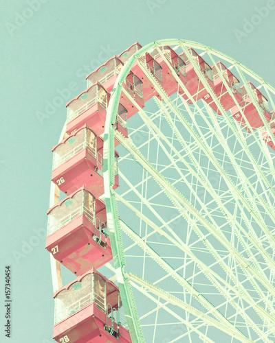 Vintage ferris wheel - 157340454