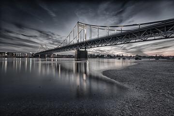 Rheinbrücke Krefeld-Uerdingen © Frank Ebert