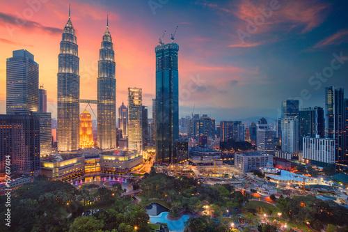 Poster Kuala Lumpur Kuala Lumpur. Cityscape image of Kuala Lumpur, Malaysia during sunset.