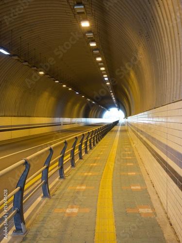 터널 Poster