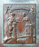 Bronze stela on the Brooklyn bridge / New York - USA