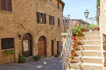 Fototapeta Uliczka na starym mieście, Toskania Włochy