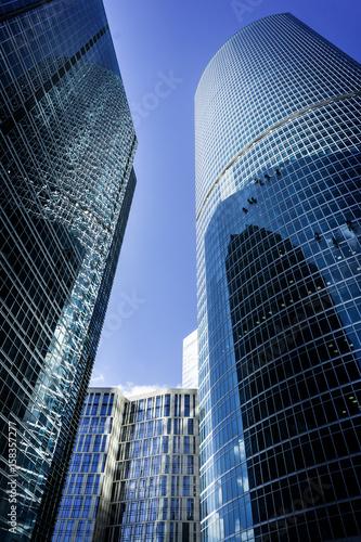 MOSKWA, KWIECIEŃ - 16, 2017: Widok miasto drapacze chmur. Moscow-City (Moscow International Business Centre) to nowoczesna dzielnica handlowa w centrum Moskwy.
